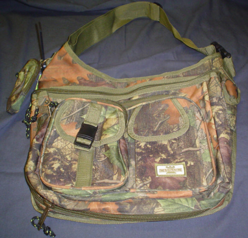 SHOULDER BAGS (IN 2 SIZES)